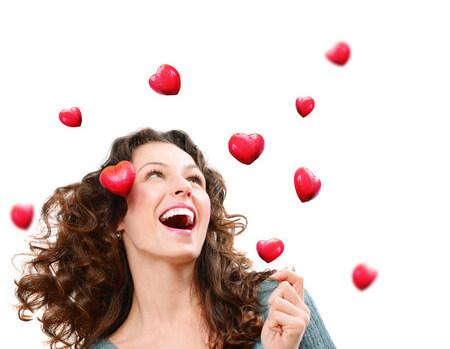 幸せで笑顔でハッピーな女性
