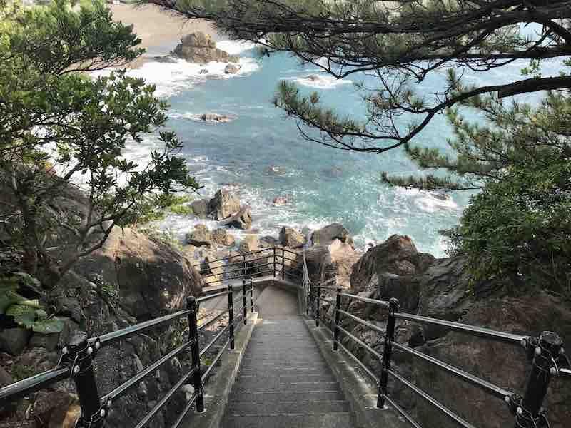 高知県 桂浜 階段上から海