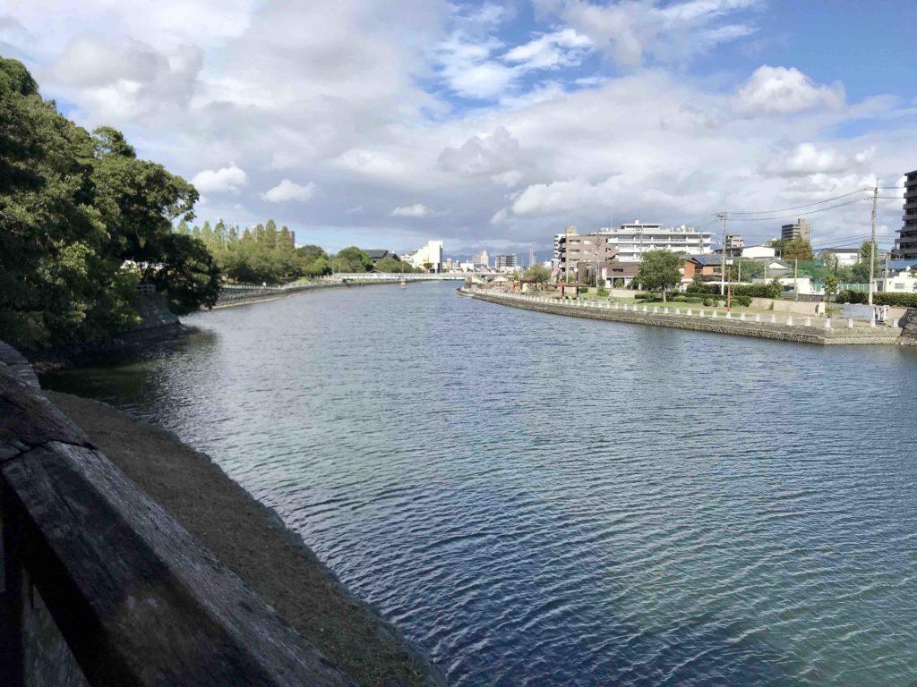徳島県 徳島駅 近くの川辺