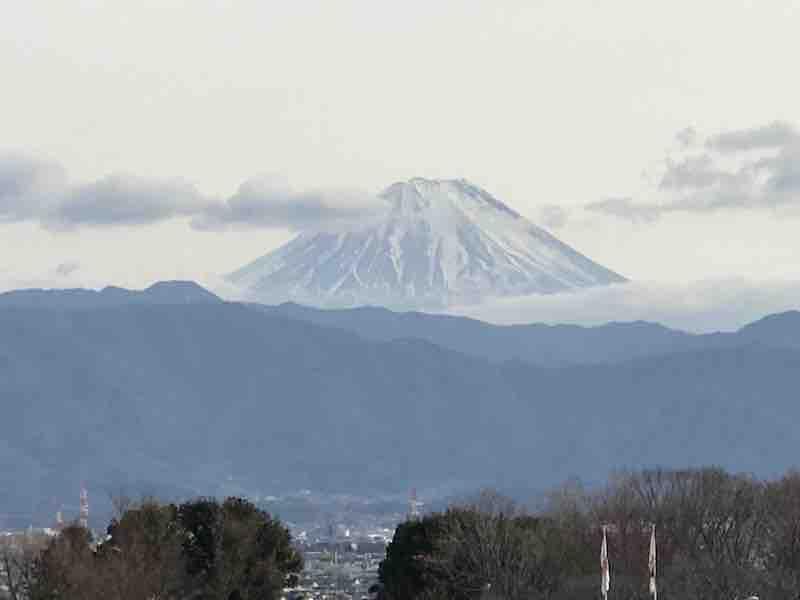 山梨県 高速インターからみた富士山