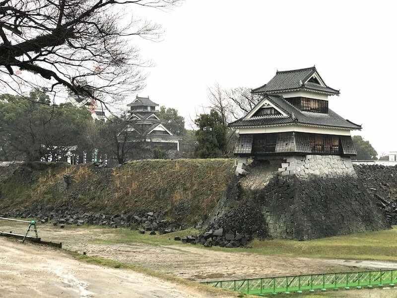熊本城 熊本地震のあとの爪痕 崩れた掘り