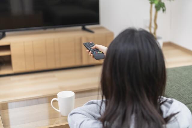 テレビのリモコンを切り替える