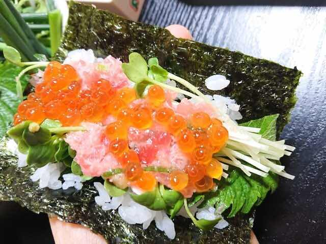 手巻き寿司とかいわれ大根