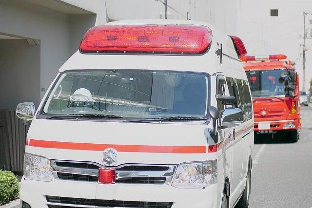 救急車と消防車