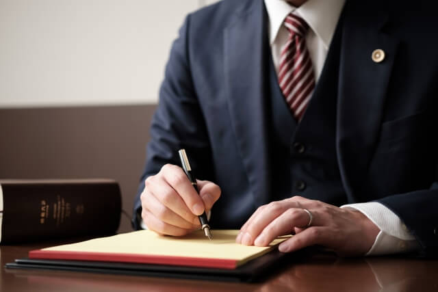 弁護士による筆記