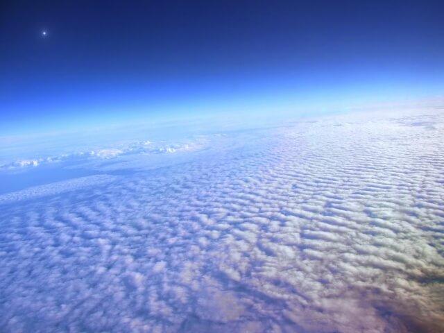 成層圏からみた地球のイメージ