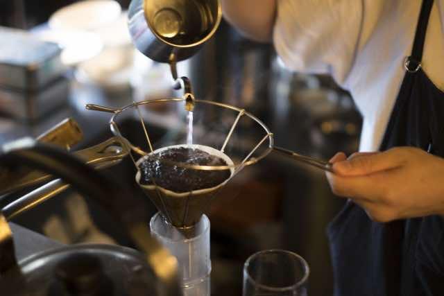 喫茶店のハンドドリップコーヒー
