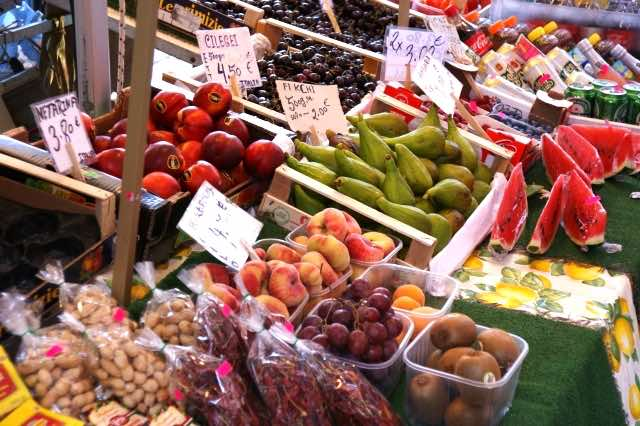 外国の生鮮食品市場のイメージ