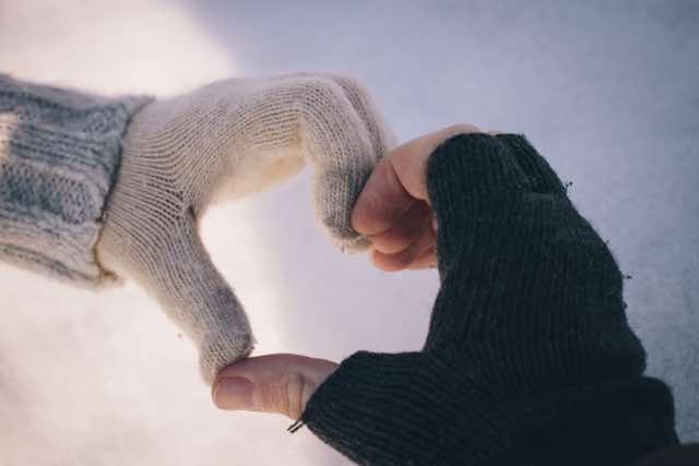 手袋でつくるハート