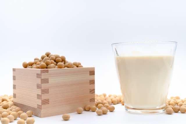 豆乳と一升升の大豆