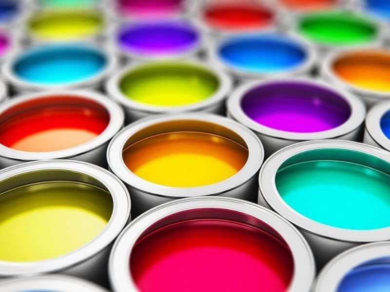カラフルな塗料
