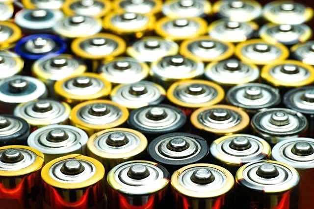 多数の乾電池