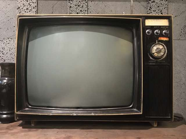 昔の型式のテレビ