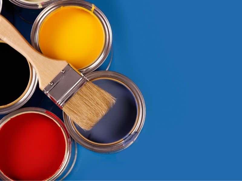 ペイント塗料とハケ