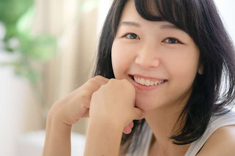 にっこり笑顔の女性